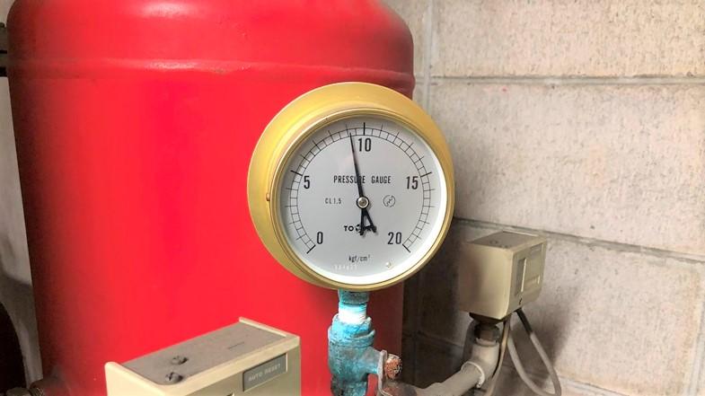 圧力タンク 圧力計