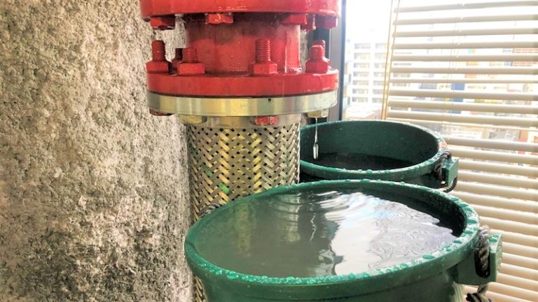 配管 水漏れ