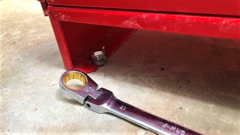ボルト締めつけ 移動式粉末消火設備