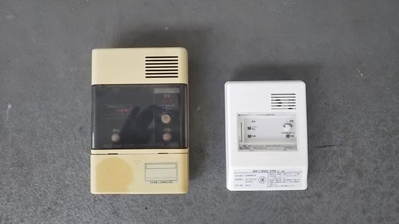 左:旧受信機、右:新受信機