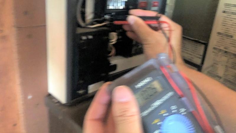 テスター 電源電圧 測定