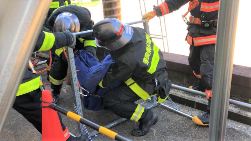 ベランダ仕切り板 訓練 救助